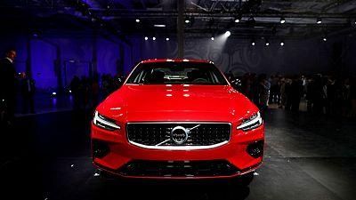 Volvo to limit car speeds in bid for zero deaths