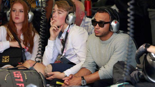 Motor racing - Nicolas Hamilton back on track and doing it his way
