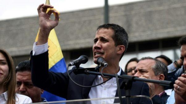 """""""Qu'espèrent-ils encore""""? A Caracas, les pro-Guaido enthousiastes"""