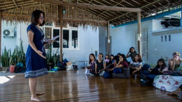 """""""Les monologues du vagin"""" en Birmanie, une percée féministe"""