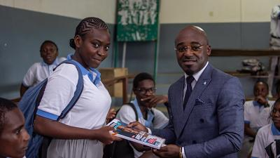 """""""1 banquier dans ma classe"""" : 11 banquiers bénévoles du Groupe BGFIBank au contact de 900 lycéens au Gabon"""