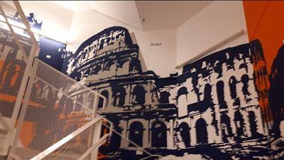 Murale record su 50 piani torre Allianz