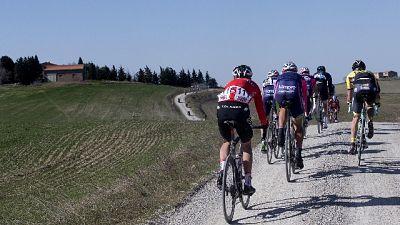 Ciclismo: torna la Strade bianche