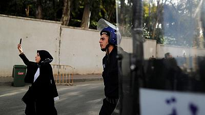 Algerian lawyers take to the streets to back anti-Bouteflika protests