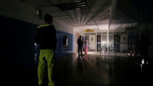 Panne d'électricité: le Venezuela s'enfonce dans le chaos