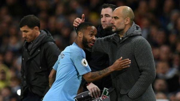 Angleterre: Sterling voit triple et Manchester City met la pression sur Liverpool