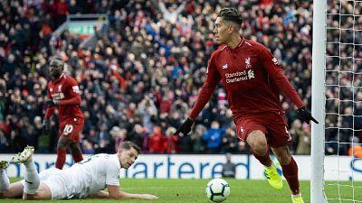 4-2 al Burnley, Liverpool insegue City