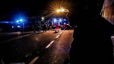 Scontro frontale Pesaro,2 morti 6 feriti