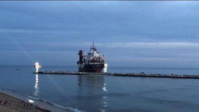 Mercantile arenato: nave disincagliata