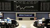 أسهم أوروبا تنتعش بدعم أنباء عن اندماج بنوك