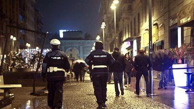 Notte brava di padre e figlio a Milano
