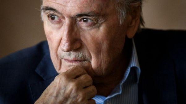 Mondial-2022 au Qatar: Blatter désigne encore Sarkozy et Platini