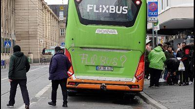 Autisti Flixbus, ammanettati da francesi