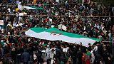 المحتجون الجزائريون يتوقون للتغيير ويضغطون لإبعاد الحرس القديم