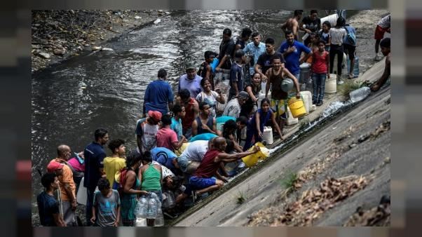 A Caracas, l'obsession de l'eau après des jours de panne