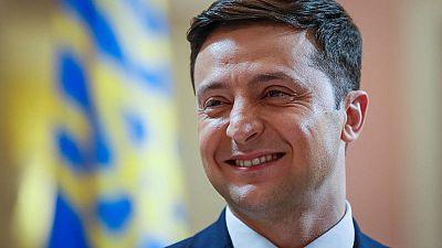 Comedian Zelenskiy extends Ukraine presidential poll lead