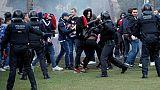 C1: 10 blessés, 5 interpellations après des bagarres entre supporters de l'OL et du Barça