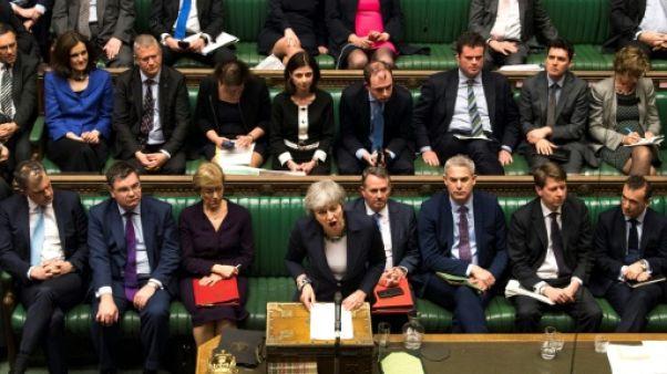 Les députés britanniques se prononcent sur un report du Brexit