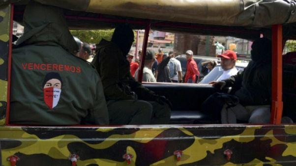 """Venezuela: Anges ou démons, les """"colectivos"""" défendront Maduro """"coûte que coûte"""""""