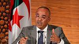 """رئيس وزراء الجزائر: حكومة جديدة تضم """"كفاءات"""" ستتولى المسؤولية """"لمرحلة قصيرة"""""""