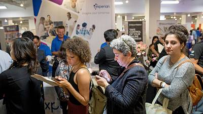 U.S. weekly jobless claims rise; import prices increase