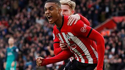 Southampton full back Valery extends contract