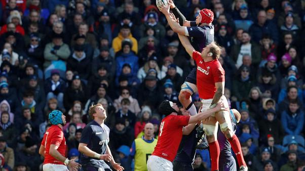 Wales captain Jones plays down significance of open roof