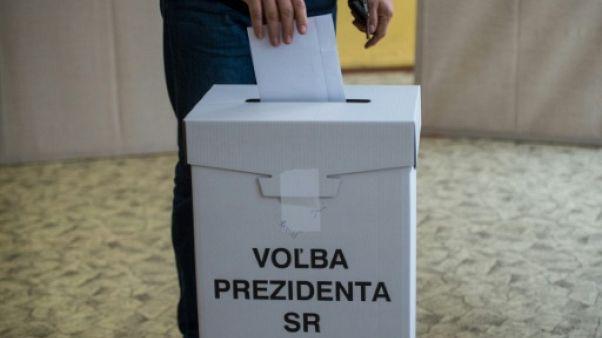 Les Slovaques élisent leur président, l'assassinat d'un journaliste en toile de fond
