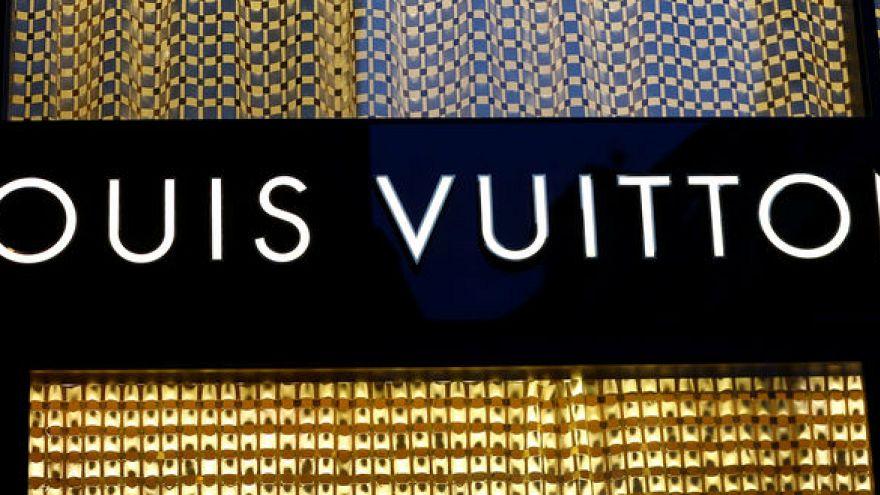 لويس فيتون تلغي طرح منتجات تستلهم مايكل جاكسون بعد مزاعم تحرش جنسي