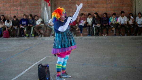 Mexique: en quête d'indices, les parents de disparus se tournent vers les enfants