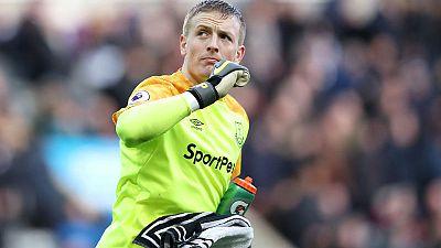 Everton's Pickford must show emotional balance, says Silva