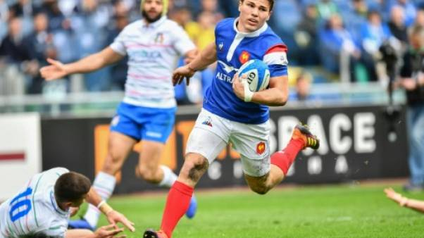 Six nations: le XV de France mène à la mi-temps en Italie (10-6)