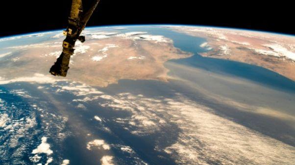 Vue depuis l'ISS de la Terre et des formations nuageuses, le 7 août 2018