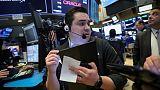 الأسهم الأمريكية تغلق مرتفعة بدعم البنوك