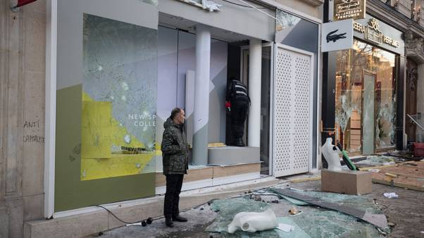 Opposition accuses French interior minister over yellow vest violence