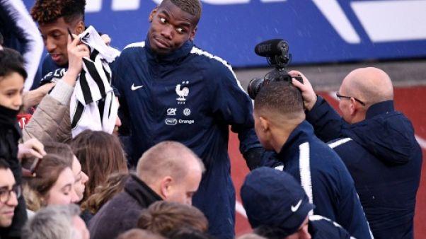 """Pogba: """"Heureux"""" à Manchester, il n'écarte pas le Real, """"un club de rêve"""""""