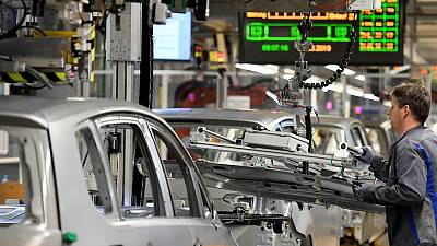 VW management and works council divided over restructuring plans