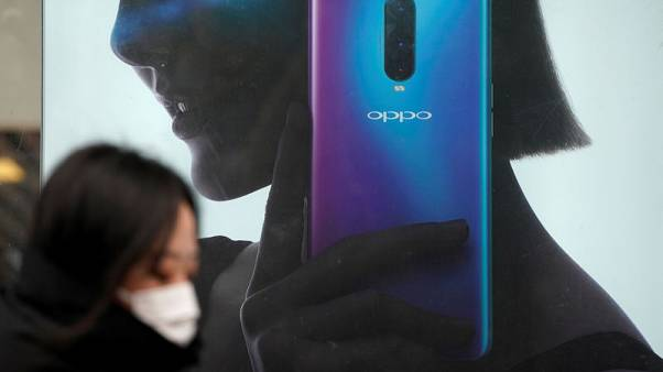 Chinese smartphone firms jazz up products, seize turf in home market from Apple