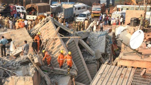 Inde: un survivant sorti d'un bâtiment effondré après 62 heures