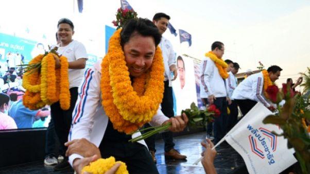 Elections en Thaïlande : les grandes familles au centre du jeu politique pour soutenir la junte
