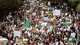 مئات المحامين الجزائريين يحتجون ضد بوتفليقة