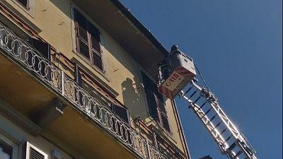 Giù pezzo cornicione a Firenze,no feriti