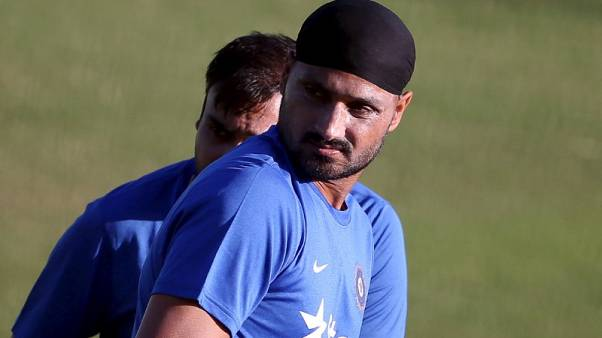 Give finger spinner a role at World Cup, says Harbhajan