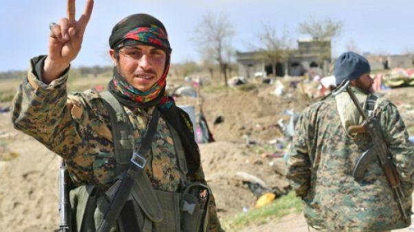 """Le """"califat"""" de l'EI éradiqué, quelles perspectives pour la Syrie en guerre?"""