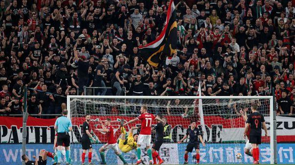 Valiant Hungary fight back to stun Croatia 2-1