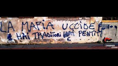 Scritta pro mafia, denunciati 3 minori