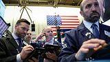 المخاوف الاقتصادية تضغط على الأسهم الأمريكية