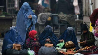 """Kaboul: les droits des Afghanes, """"ligne rouge"""" des négociations avec les talibans"""