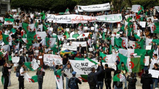 Contestation en Algérie: étudiants dans la rue, grève diversement suivie