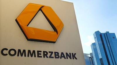 Commerzbank CEO and board take a pay cut in 2018